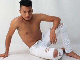 MaricioLuca shows adult lj